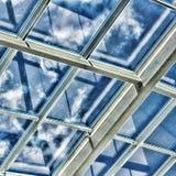 Glass tak med fönstret Fyrkantskott, tappning closeup Köpcentret, affärsmitt, Royaltyfri Bild