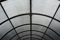 Glass tak som är suddigt vid regn Royaltyfri Foto