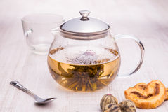 Glass teapot with Flower Chinese tea Stock Photography