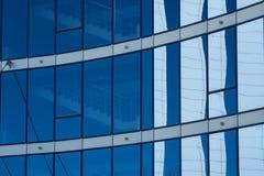 Glass torn för fasad med blåa fönster Fotografering för Bildbyråer