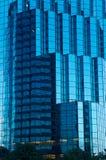 Glass tornyttersida och reflexioner Fotografering för Bildbyråer