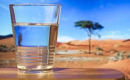 glass vatten Fotografering för Bildbyråer
