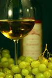 Glass of wine and grapes Royalty Free Stock Photography