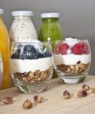glass yoghurt royaltyfria bilder