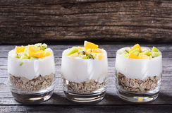 glass yoghurt royaltyfria foton