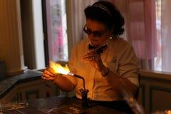 glassblower w Paryskim Disney zdjęcie stock