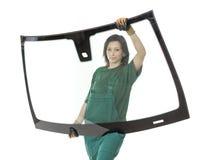 Glasser mit der Windschutzscheibe und weißen Hintergrund des Windfanges oder Stockbild
