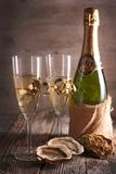 Glasses of champagne and oyster Royalty Free Stock Photos