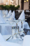 glasses and napkins in the restaurant terrace Stock Photography