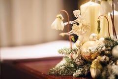 Glasspielzeugballerina als Weihnachtsdekoration Stockbild