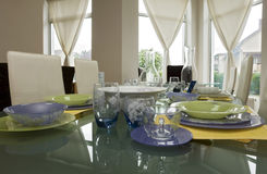 glassware setu stół obrazy stock