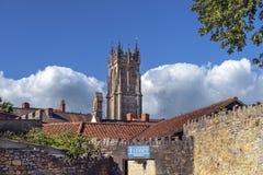 Glastonbury-Abtei und Kirche von Johannes der Baptist, Somerset, England Lizenzfreies Stockfoto