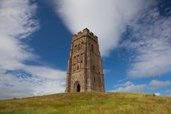 Glastonburypiek op een winderige heuvel in Somerset wordt gevestigd die Royalty-vrije Stock Afbeelding