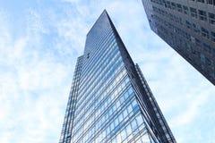 Glasvägg av kontorsbyggnad Royaltyfri Foto