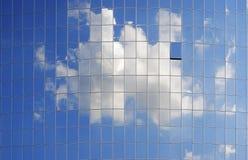 Glasvägg som komponeras av många fönster Royaltyfri Fotografi