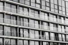 Glasvoorgevel, zwarte & wit royalty-vrije stock foto