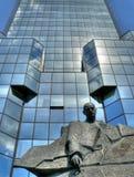Glaswolkenkratzer in Warschau Stockfotos