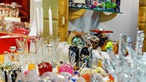 Glaszahlen und Kerzen am Weihnachtsmarkt in Riga Lettland Lizenzfreies Stockbild