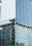 Glaszwischenwand auf dem Gebäude Stockfoto