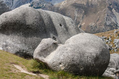 Glatt gemachte Flusssteine am Schloss-Hügel Lizenzfreie Stockfotografie