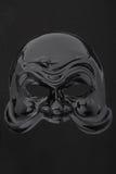 Glatte schwarze Maske des Karnevals auf Schwarzem lizenzfreie stockbilder
