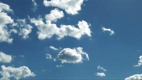 Glatte Wolken bewegen sich stock footage