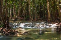 Glatter Wasserfall Lizenzfreie Stockbilder