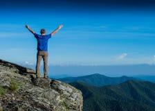 Glauben Sie dem frischen Berg stockbilder
