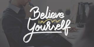 Glauben Sie an selbst überzeugt anregen Motivations-Konzept stockfoto