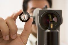 Glaucoma de Olho Para do doutor Checking Paciente Fotografia de Stock Royalty Free