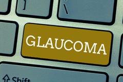 Glaucoma do texto da escrita Doenças de olho do significado do conceito que conduzem a dano à perda da visão do nervo ótico fotos de stock