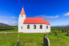 Glaumbaer kyrka i glaumbaer Island i sommar royaltyfri foto