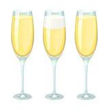 Glazen champagne met schuim en bellen in verschillende hoeveelheid Royalty-vrije Stock Foto