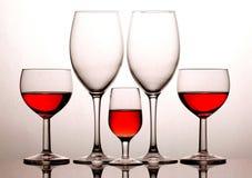 Glazen die op witte achtergrond worden geïsoleerdi Stock Fotografie