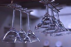 Glazen in een staaf Stock Foto