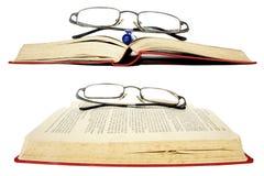 Glazen en Boeken Royalty-vrije Stock Foto