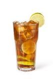 Glazen fruitdranken met ijsblokjes Stock Foto