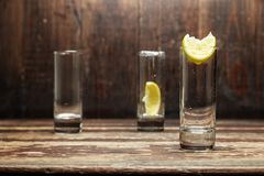 Glazen met citroen Stock Foto