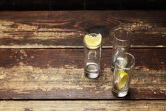 Glazen met citroen Stock Afbeelding