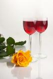 Glazen met Rode Wijn op Wit Royalty-vrije Stock Foto
