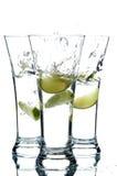 Glazen met water en kalk Royalty-vrije Stock Foto