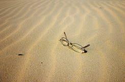 Glazen op het Strand Stock Fotografie