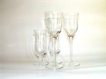 Glazen op romige achtergrond Royalty-vrije Stock Foto