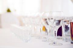 Glazen voor wijnstok en wodka Royalty-vrije Stock Afbeeldingen