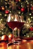 Glazen wijn voor Kerstboom Royalty-vrije Stock Fotografie