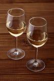 Glazen witte wijn Stock Foto's