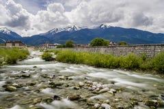 Glazne flod till och med Bansko Royaltyfri Foto