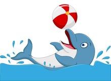 Glückliche Delphinkarikatur, die Ball spielt Lizenzfreies Stockfoto