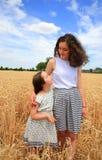 Glückliche Familienmomente Lizenzfreie Stockbilder