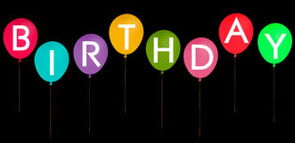 Glückliche Geburtstagsfeierballone lokalisiert auf schwarzem Hintergrund Stockfoto